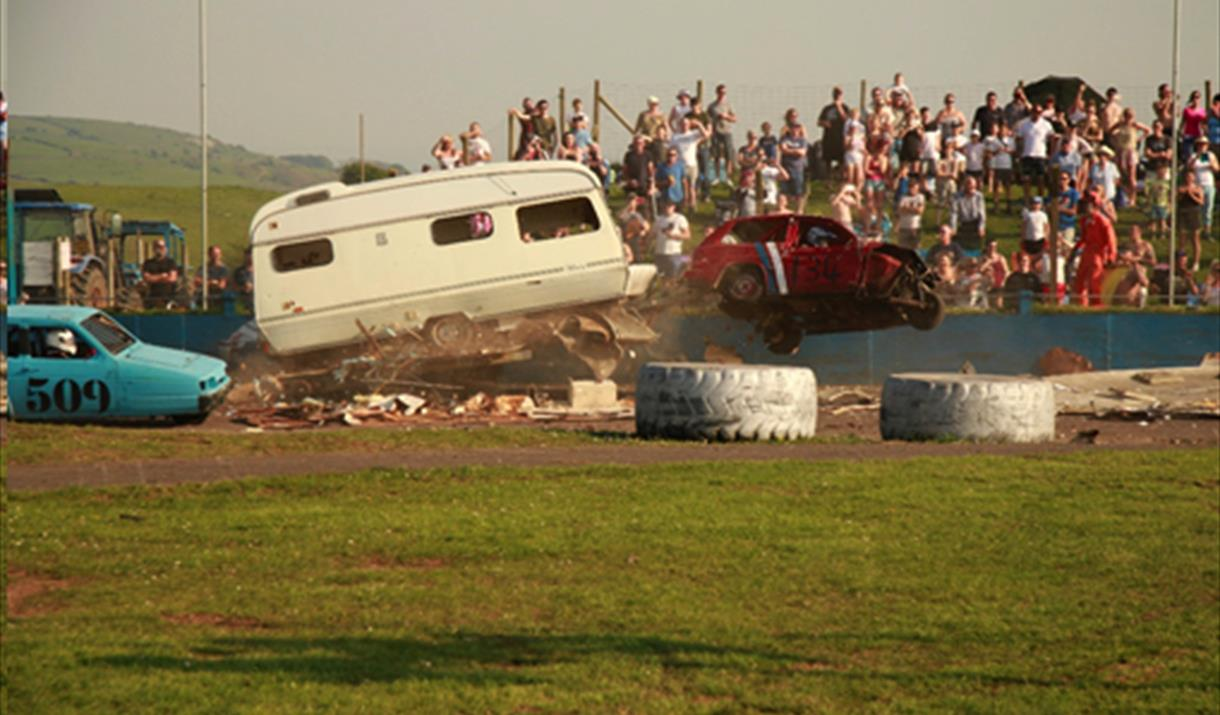 mendips raceway banger stockcar car racing motorsport